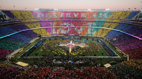 160207205900-02-super-bowl-halftime-2016-super-169